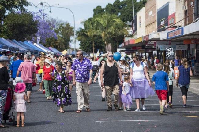 Jacaranda-festival-crowd-on-streets